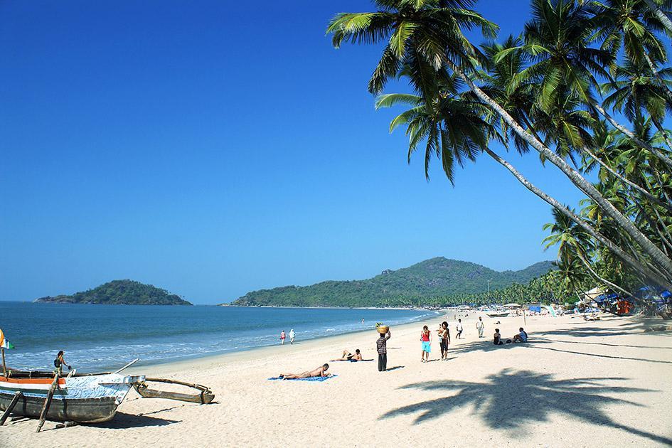 На пляжах Гоа запретят алкоголь и ночные купания