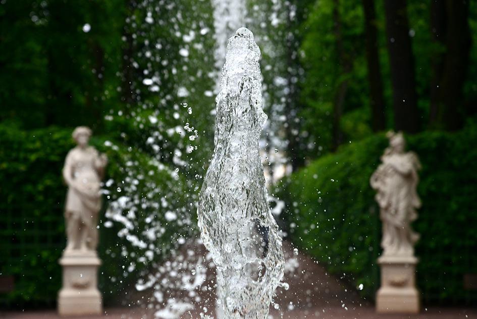 В Летнем саду появился парфюмированный фонтан