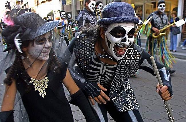 День мертвых — самый знаменитый и самый впечатляющий праздник