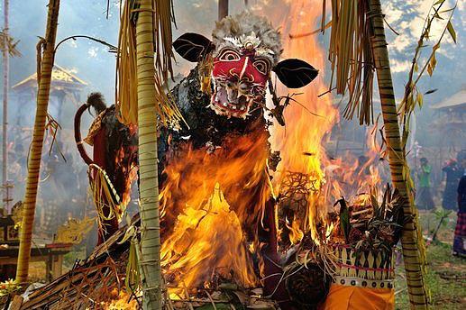 Бали в огне