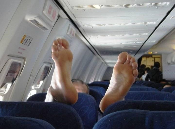 Звезды, которых ненавидят авиакомпании. Топ-10 инцидентов на борту