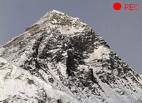 На вершине Эвереста появилась веб-камера