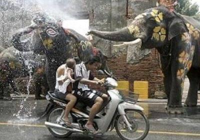 Тайцы буйно отпраздновали буддийский Новый год