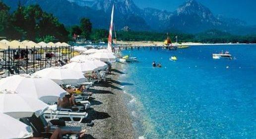 МИД РФ рекомендует российским туристам воздержаться от зарубежных поездок