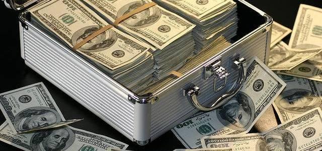 Банковские переводы компаниям от физических лиц будут отслеживаться