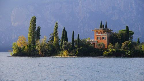 Поездка на озеро Гарда: где остановиться иностранным туристам?