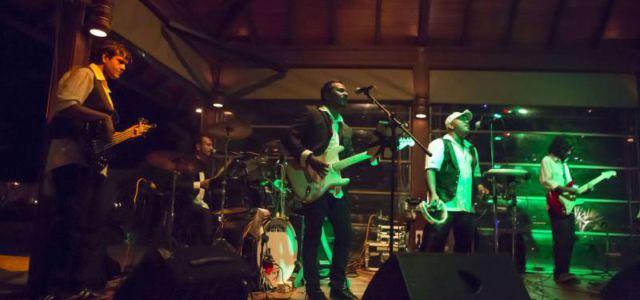 Живая музыка в Kurumba Maldives