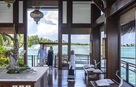 Мальдивский отель привлекает туристов при помощи магии