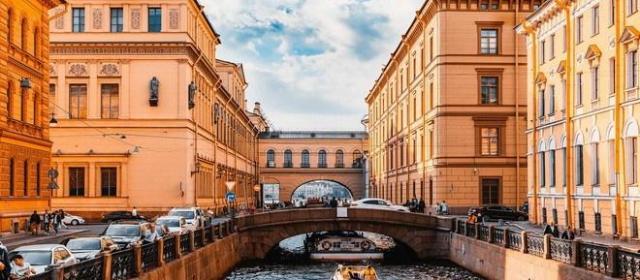 В Петербурге во время ЧМ число иностранцев на водных экскурсиях выросло в 1,5 раза