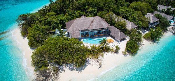 В 5-звездочный отель на Мальдивах срочно требуется продавец книг