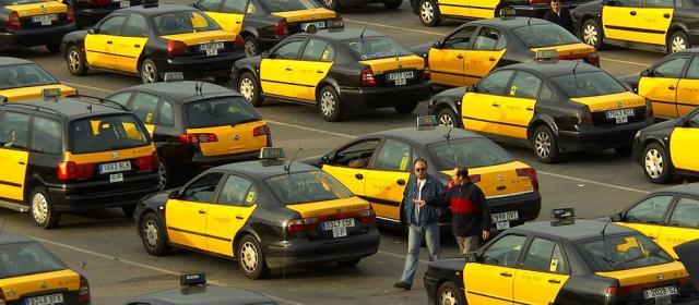 В Испании таксисты бастуют против Uber