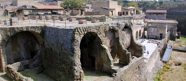 В Италии туристов ограбили, а потом приютили за счет страны