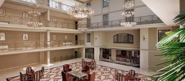 В пятизвездочном отеле Санкт-Петербурга отравились 12 человек