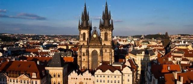 Прага, Стамбул и Тбилиси – самые популярные зарубежные направления на ноябрьские праздники у самотуристов