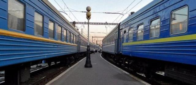 Из-за взрывов «Укрзализныця» закрыла движения некоторых поездов
