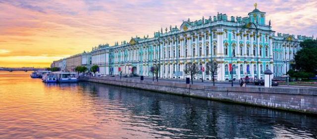 «Туристы ни в чем не виноваты перед питерскими фасадами»