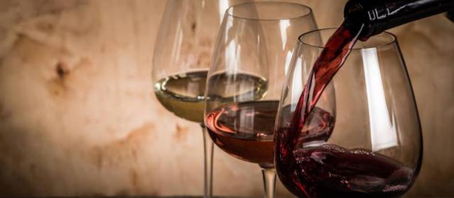 Как научиться разбираться в вине не выходя из дома