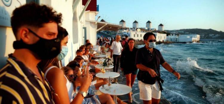 Как россиянам попасть на закрытые курорты Греции в бархатный сезон